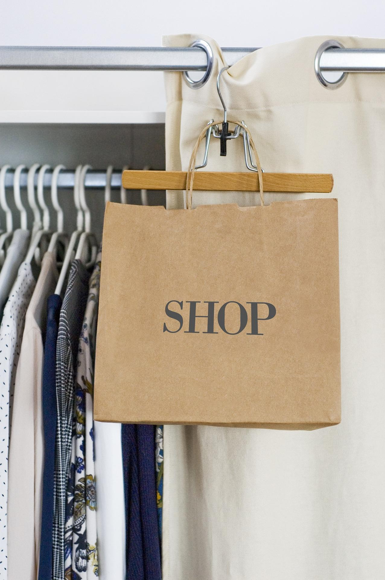 Picture of a shopping bag in a shop